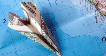 По закону любой работник имеет право на компенсацию неиспользованного отпуска