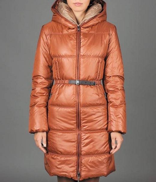Пальто на тинсулейте женское представлено на снимке
