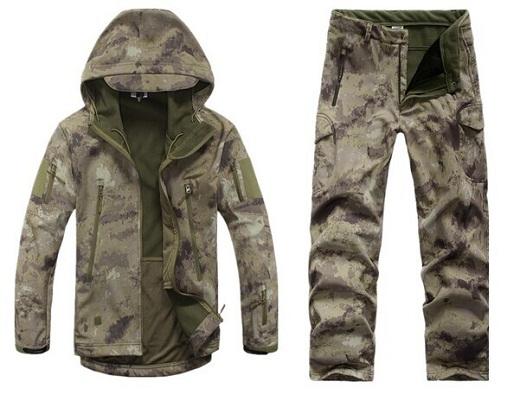 Софтшелл используется и в военом деле, например костюмы для армии, как на фото