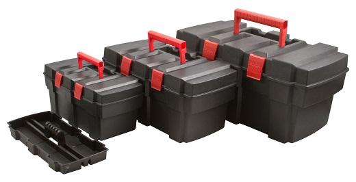 Пластиковые ящики для инструментов разных размеров на снимке