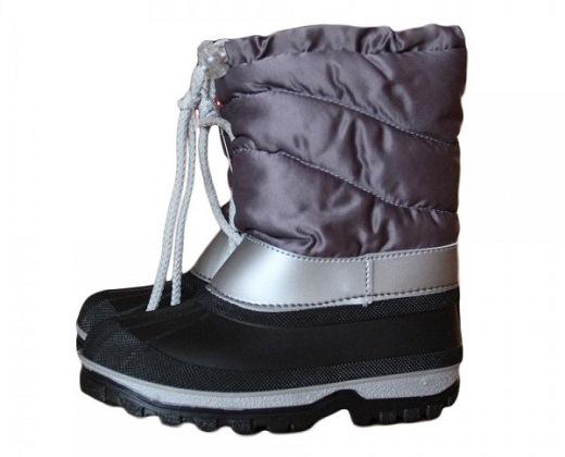 Мембранная демисезонная обувь для детей на снимке