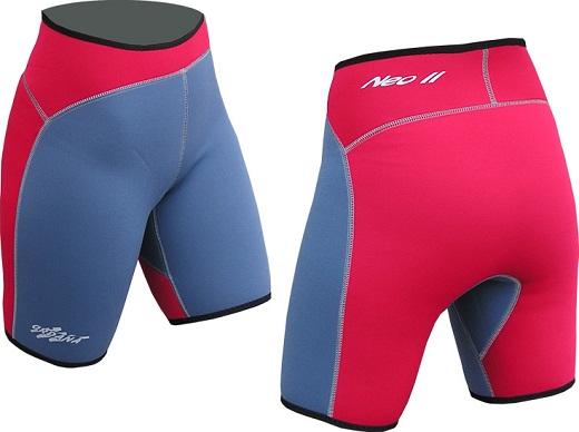 На фото представлены анатомически скроенные шорты, предназначенные для занятий физическими тренировками