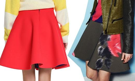 На фото представлены юбка из неопрена в однотонном цветовом исполнении, а также юбка из неопрена, с нанесенным на ткань рисунком